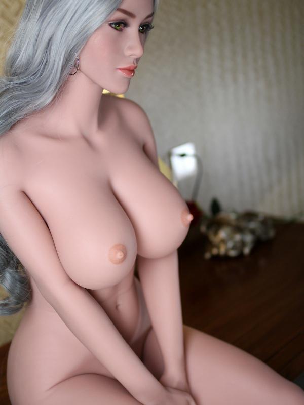 Viktoria 33